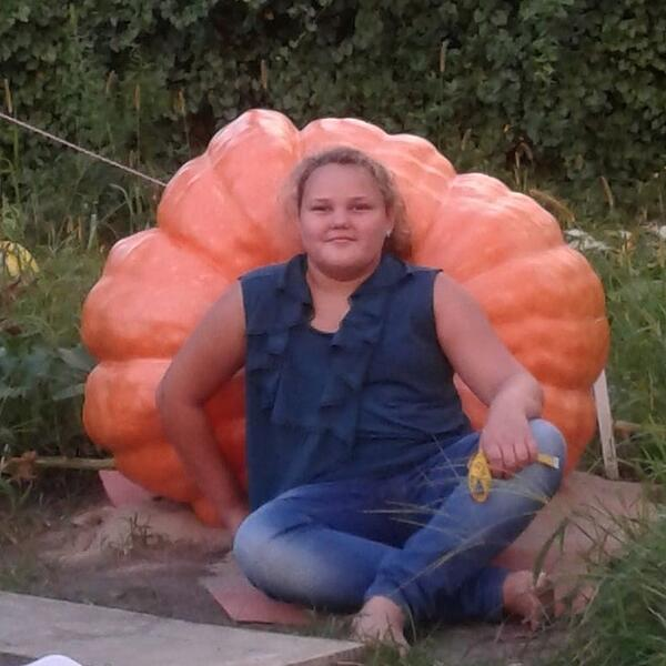 Marina's 480 lb pumpkin from 2017-171558-edited