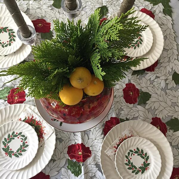 conifer table arrangement no water