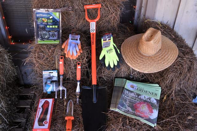 Gardener Gift Guide - featured image