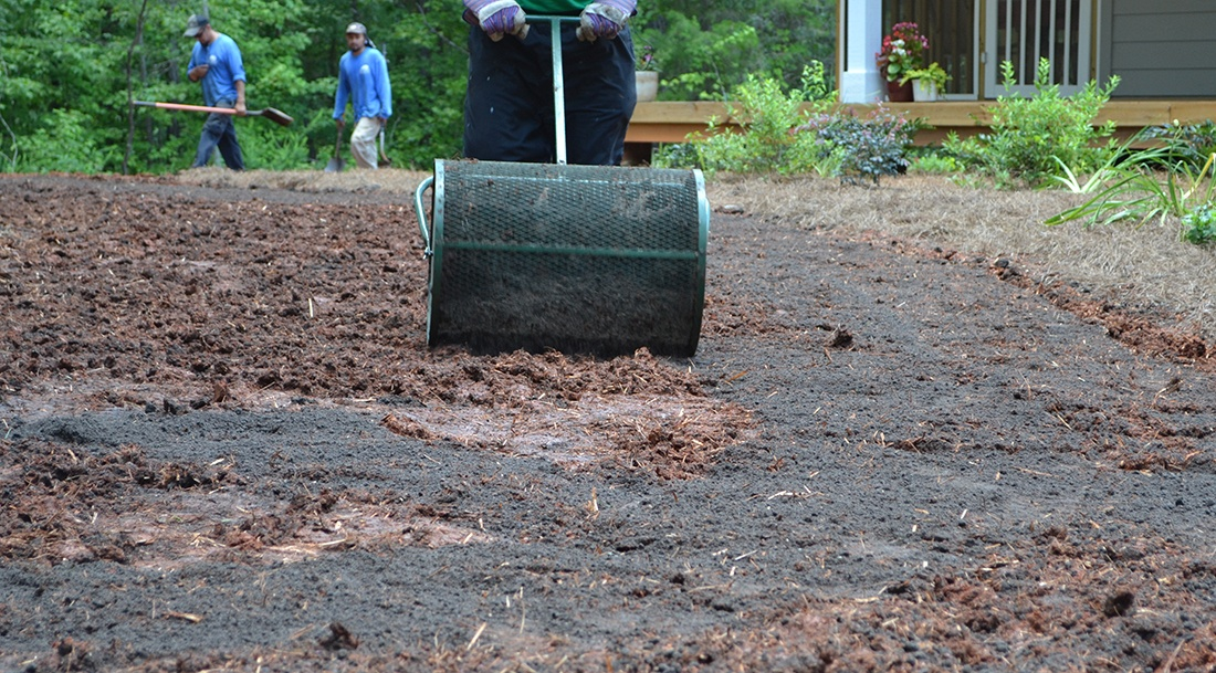seed_planting_depth_cover_with_quarter_inch_of_compost