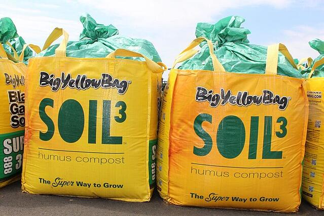 Potting Soil for Trees & Tree Fertilizer - featured image