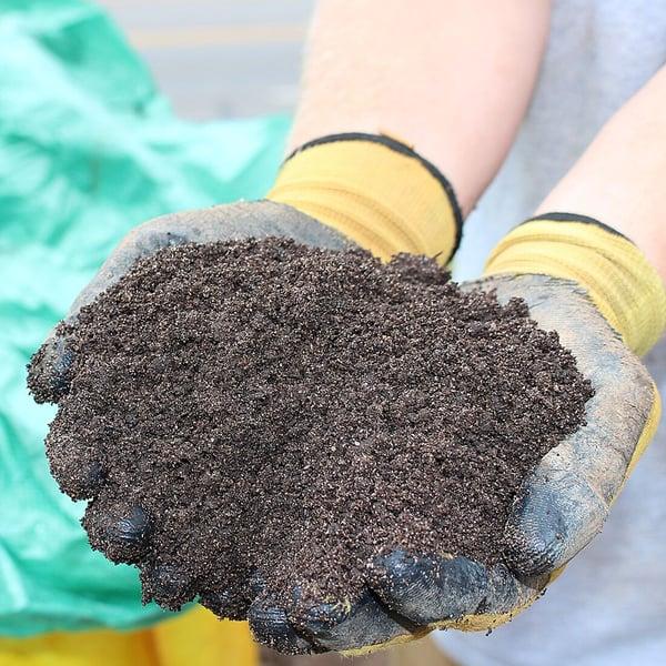 soil3_inhhands